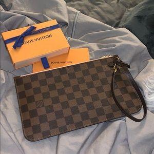 Louis Vuitton Neverfull clutch